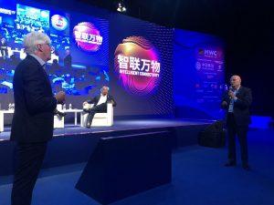 2019-06-28. MWC de Shanghai 2019. Dr. Antonio de Lacy. Primera cirugía teleasistida 5G en Asia 06
